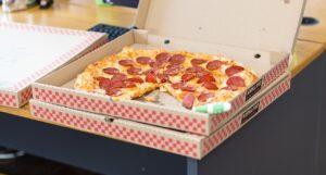 entrega take-away de pizza